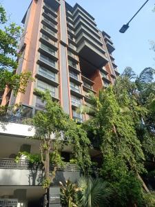 Gallery Cover Image of 2000 Sq.ft 3 BHK Apartment for rent in Calvin Shresth Vasant Kunj CHS Ltd, Santacruz West for 160000