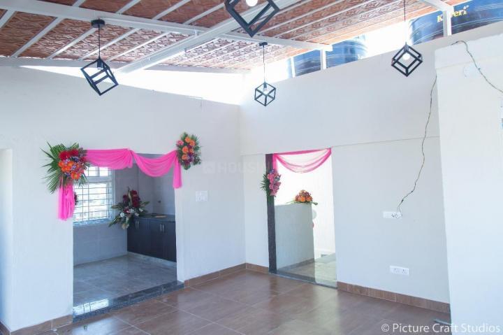 बगलाकुन्ते में शौर्य सिन्हा पीजी के हॉल की तस्वीर