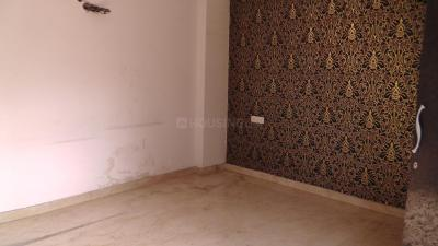 Gallery Cover Image of 1985 Sq.ft 3 BHK Independent Floor for buy in RWA Shalimar Bagh BK 1 Block, Shalimar Bagh for 21645000