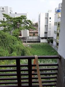 Gallery Cover Image of 900 Sq.ft 2 BHK Apartment for buy in Nayabad for 3240000