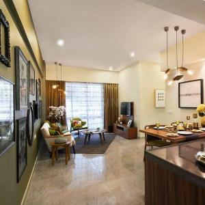 Gallery Cover Image of 700 Sq.ft 2 BHK Apartment for buy in Chembur for 20500000
