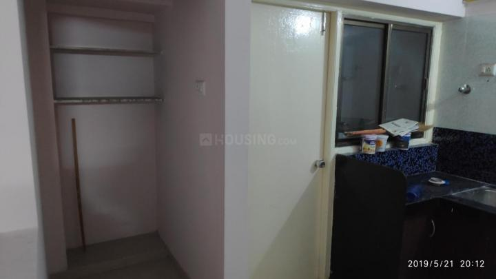 Kitchen Image of 515 Sq.ft 2 BHK Apartment for rent in Himalaya Zircon, Motera for 12500