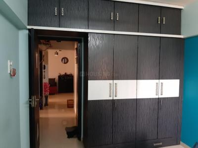 Gallery Cover Image of 950 Sq.ft 2 BHK Apartment for rent in Kandivali East for 31000