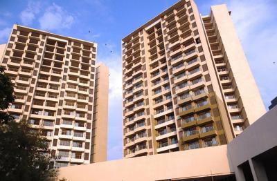 Gallery Cover Image of 950 Sq.ft 2 BHK Apartment for rent in Kanakia Samarpan Exotica, Borivali East for 38000