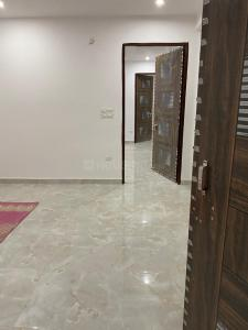 Gallery Cover Image of 1100 Sq.ft 3 BHK Apartment for rent in Aya Nagar for 15000