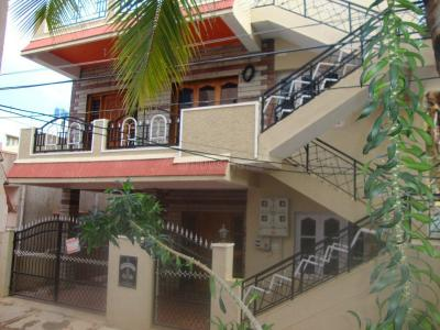 Gallery Cover Image of 1340 Sq.ft 2 BHK Independent House for rent in Munnekollal for 19000