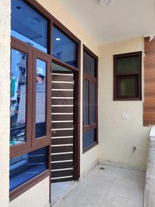 Gallery Cover Image of 900 Sq.ft 2 BHK Independent Floor for buy in Nurpur Jharsa for 3500000