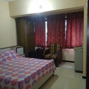 Gallery Cover Image of 1600 Sq.ft 3 BHK Apartment for rent in Goregaon West for 80000
