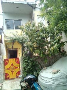 Gallery Cover Image of 800 Sq.ft 2 BHK Independent House for buy in Khajrana for 2700000