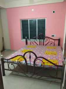 Gallery Cover Image of 1200 Sq.ft 3 BHK Apartment for rent in Keshtopur for 12000