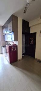 Gallery Cover Image of 1050 Sq.ft 3 BHK Apartment for rent in Rishabh Cloud 9, Ahinsa Khand for 14000