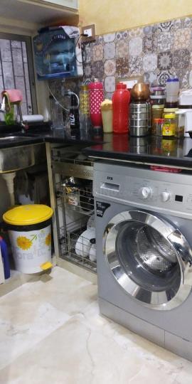 दादर वेस्ट में पीजी रूम शेयरिंग में किचन की तस्वीर