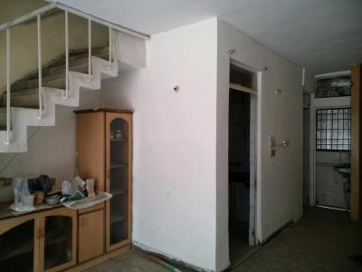 Gallery Cover Image of 800 Sq.ft 2 BHK Apartment for rent in Paschim Vihar for 18000