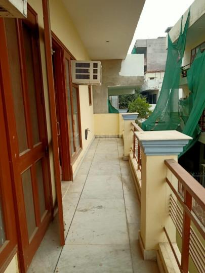 Balcony Image of Like Home Co Living PG in Sector 38