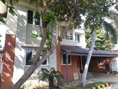 Gallery Cover Image of 1600 Sq.ft 3 BHK Villa for rent in Medavakkam for 30000