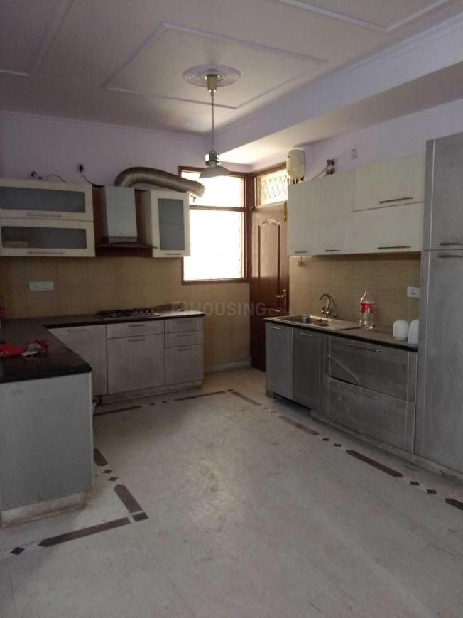 Kitchen Image of 2000 Sq.ft 4 BHK Apartment for rent in Sector 19 Dwarka for 35000