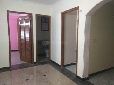 Gallery Cover Image of 1000 Sq.ft 4 BHK Apartment for rent in Jamia Nagar for 20000