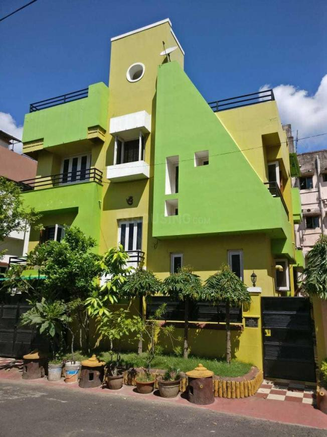 Building Image of 2800 Sq.ft 7 BHK Independent House for buy in Kasba for 19000000