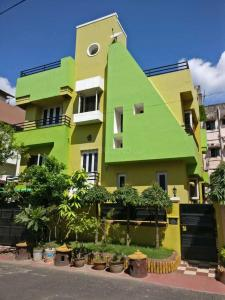 Gallery Cover Image of 2800 Sq.ft 7 BHK Independent House for buy in Kasba for 19000000