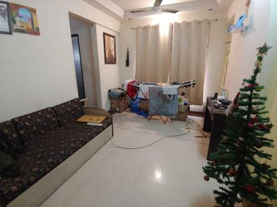 Gallery Cover Image of 630 Sq.ft 1 BHK Apartment for rent in Kandivali West for 29000