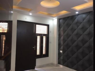 Gallery Cover Image of 680 Sq.ft 2 BHK Independent Floor for rent in Dwarka Mor for 12000