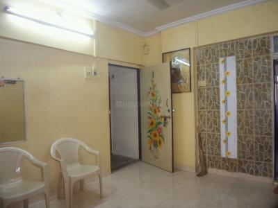 Gallery Cover Image of 310 Sq.ft 1 RK Apartment for rent in Chandra Bhaga Housing Society, Prabhadevi for 22000