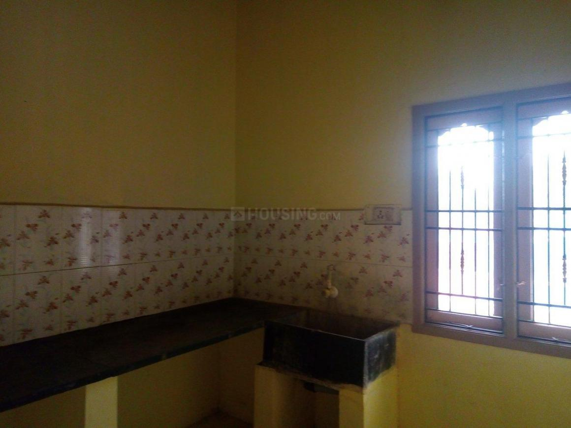 Kitchen Image of 850 Sq.ft 2 BHK Independent Floor for rent in Attipattu for 6500