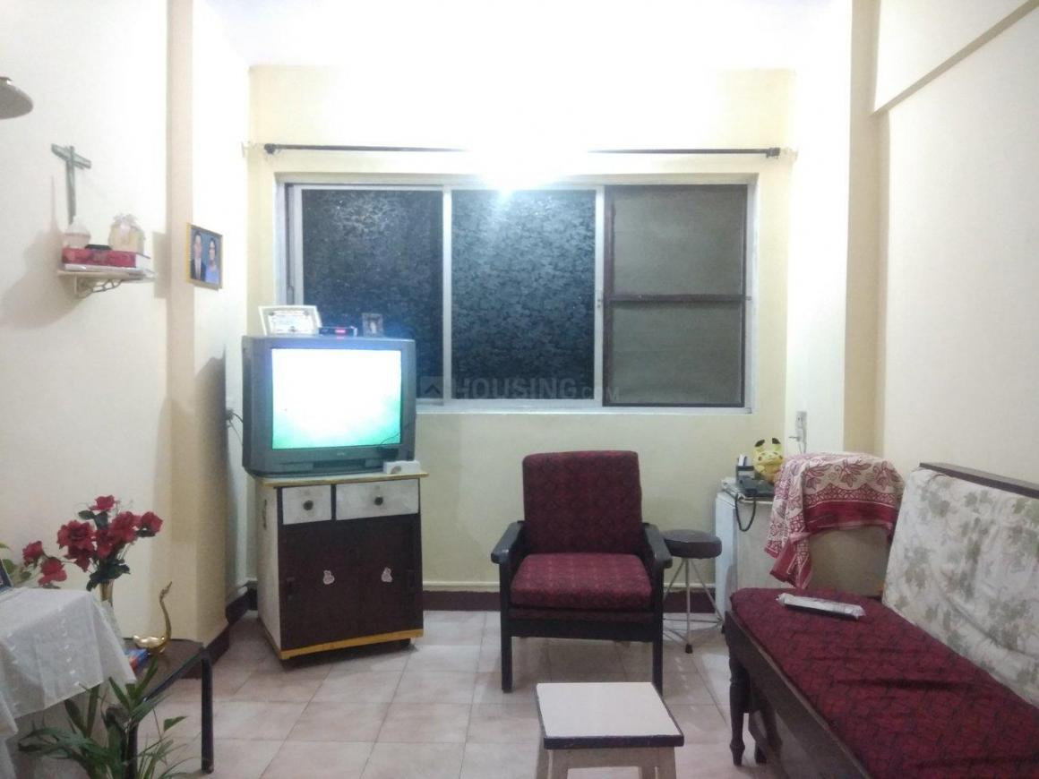 Living Room Image of 600 Sq.ft 1 BHK Apartment for rent in Vasai West for 10000