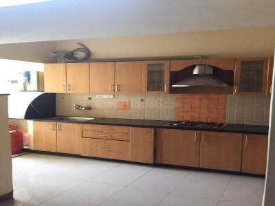 Gallery Cover Image of 1300 Sq.ft 2 BHK Apartment for rent in Brookefield for 22000