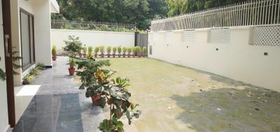 Gallery Cover Image of 9500 Sq.ft 5 BHK Independent House for rent in Vasant Vihar for 650000