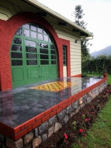 Gallery Cover Image of 1800 Sq.ft 3 BHK Independent House for buy in Coonoor for 25000000