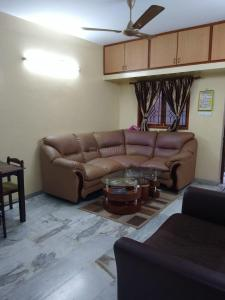 Gallery Cover Image of 875 Sq.ft 2 BHK Apartment for buy in RS Puram for 6000000