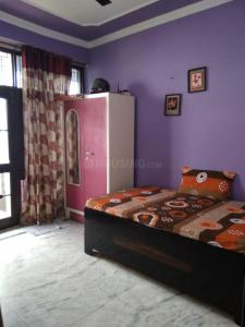 Gallery Cover Image of 960 Sq.ft 2 BHK Apartment for rent in Flora Apartments, Sector 19 for 16000