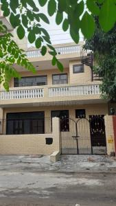 Gallery Cover Image of 2898 Sq.ft 4 BHK Independent House for buy in Sector 23 for 16500000