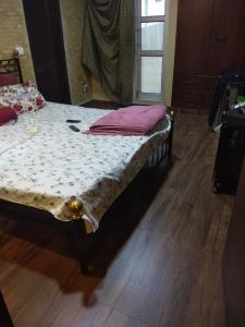 Gallery Cover Image of 1150 Sq.ft 2 BHK Apartment for buy in Greater Kailash for 21000000