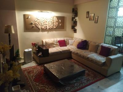 Gallery Cover Image of 1110 Sq.ft 2 BHK Apartment for rent in Kaushambi for 15000