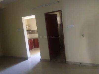 Gallery Cover Image of 2400 Sq.ft 2 BHK Apartment for rent in Sri Ram Flats, Velachery for 15000