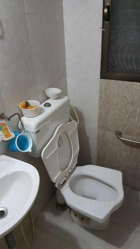 Common Bathroom Image of 850 Sq.ft 2 BHK Apartment for rent in Mira Road East for 18000