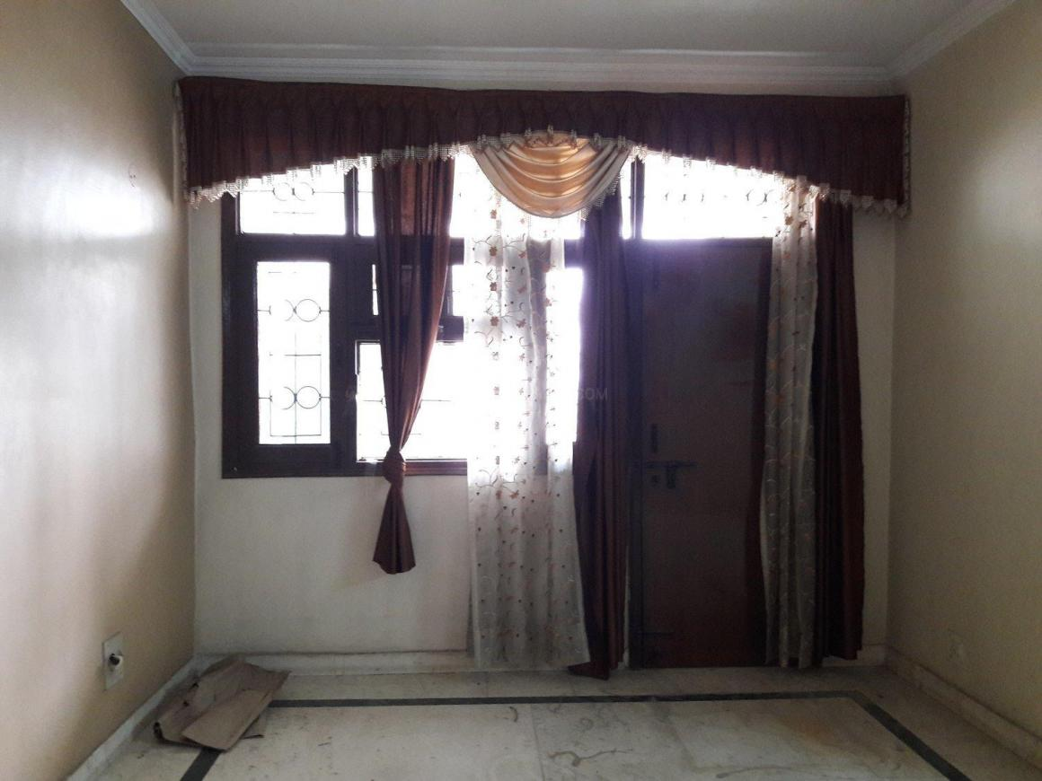 Living Room Image of 1450 Sq.ft 3 BHK Apartment for rent in Sector 21D for 18000