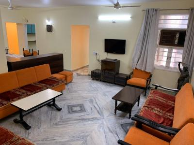 Gallery Cover Image of 1500 Sq.ft 3 BHK Apartment for rent in Goyal Prime Plaza, Bodakdev for 33000