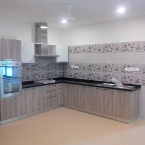 Gallery Cover Image of 3550 Sq.ft 4 BHK Apartment for rent in Muttukadu for 100000
