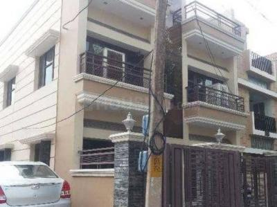 Gallery Cover Image of 1471 Sq.ft 2 BHK Independent Floor for rent in Sector 10A for 15000