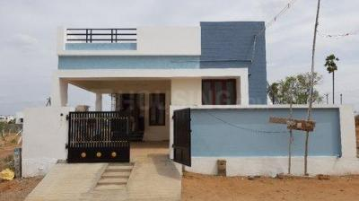 Gallery Cover Image of 500 Sq.ft 1 BHK Independent House for buy in Medavakkam for 2800000