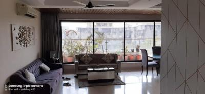 Gallery Cover Image of 1500 Sq.ft 3 BHK Apartment for rent in Bandra West for 210000