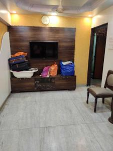 Gallery Cover Image of 850 Sq.ft 2 BHK Apartment for rent in Sion for 50000