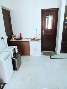 Gallery Cover Image of 600 Sq.ft 1 BHK Independent Floor for rent in Noida Extension for 8500