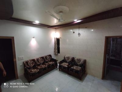 Gallery Cover Image of 900 Sq.ft 2 BHK Apartment for rent in Simandhar Chandrapuri Apartment, Vastrapur for 20000