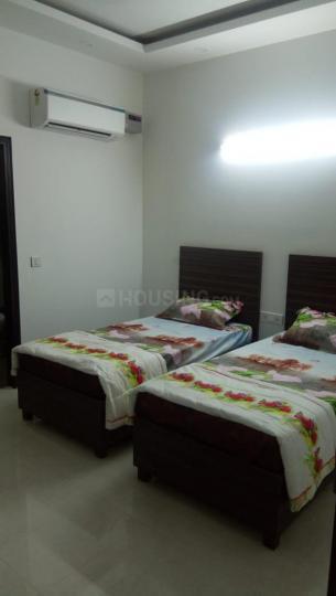 मालवीय नगर में बॉइज़ पीजी विद मील के बेडरूम की तस्वीर
