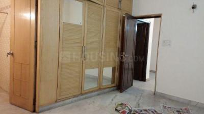 Gallery Cover Image of 1050 Sq.ft 2 BHK Apartment for rent in Jasola for 27000