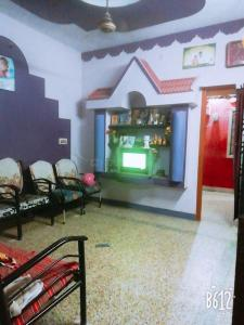 Gallery Cover Image of 600 Sq.ft 1 BHK Independent House for buy in Redhills for 3200000